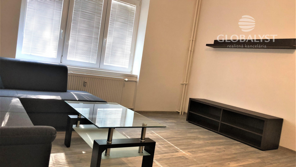 Priestranný a zariadený 2 izbový byt na Jarnej ulici